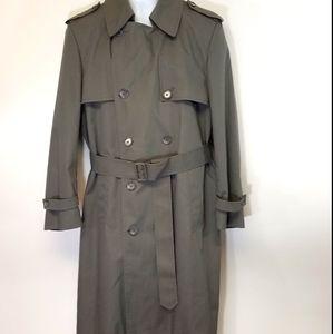 London Fog Trench Coat 🎉HP🎉Classic 40 REG